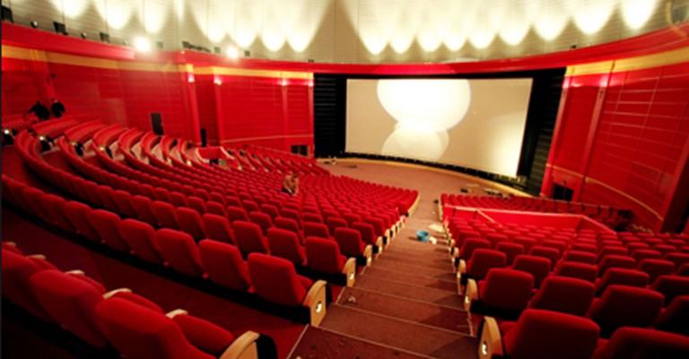 Kinoen stenger – må norsk film søke andre plattformer?