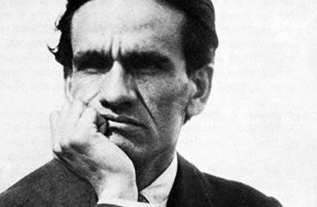 Roy Andersson er glad i diktene til peruvianske César Vallejo, som blir kalt «smertens poet».