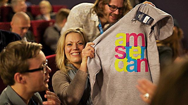 Regissør August B. Hanssen, Ida Storm og produsent Carsten Aanonsen under IDFA. Foto: Karianne Berge.