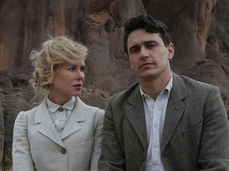 Nicole Kidman og James Franco i QUEEN OF THE DESERT.