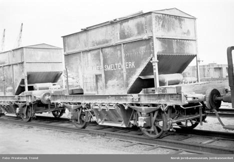 Industri er positivt ladet i turistfilm - her jernbanevogner tilhørende Meråker smelteverk. Foto: Trond Presterud/Jernbanemuseet.