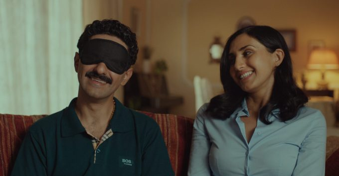 Kaveh Tehrani med premiere på hijab-satire