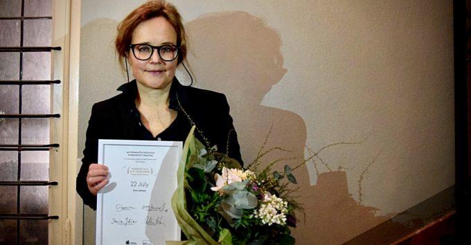 Sara Johnsen er tildelt nordisk manuspris for «22.juli»